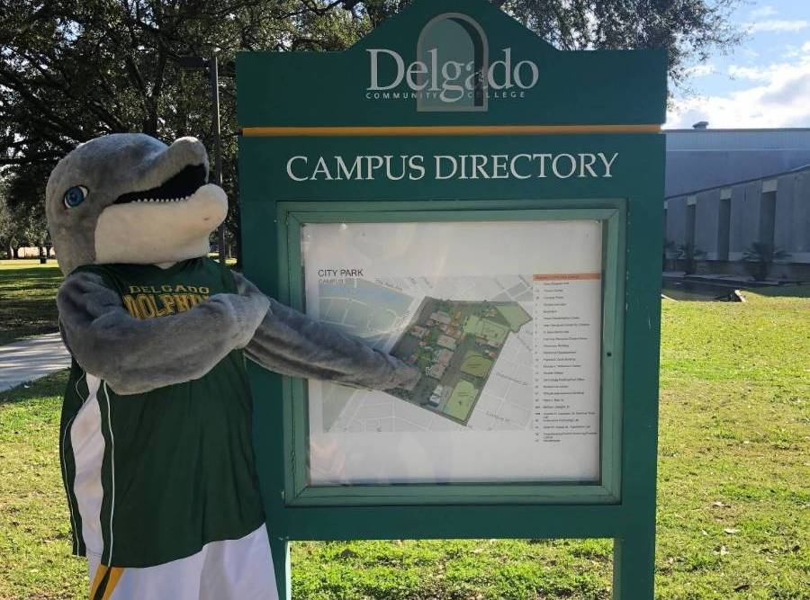 izzy with campus map